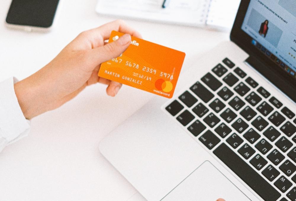 Beneficios de la tarjeta de crédito de Microfin